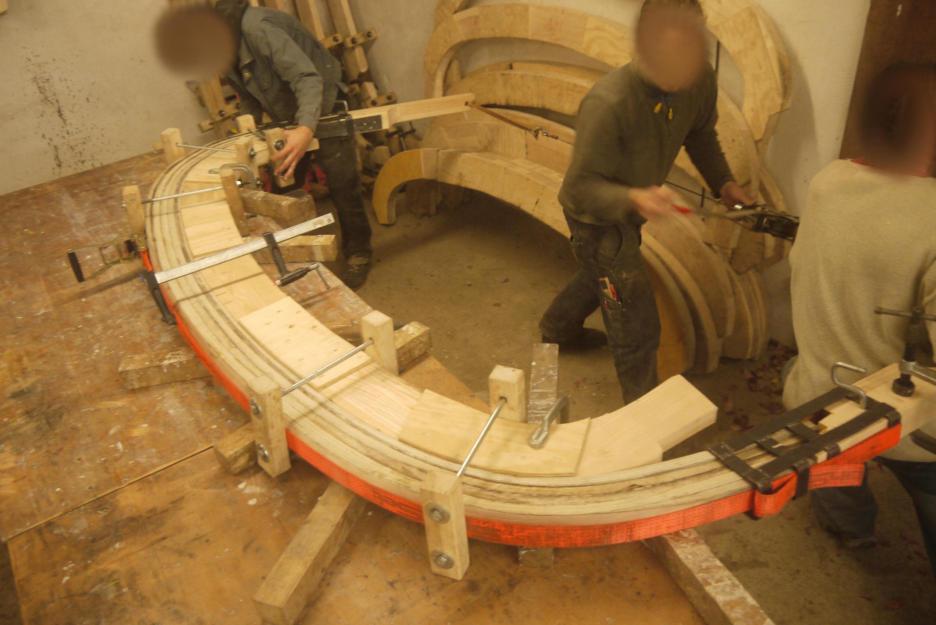 Biegen der Dachbögen, Danke an das Holzlabor in Thalheim