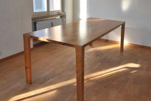 Grosser Kirschbaumtisch